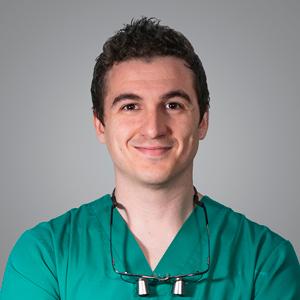 Dr. Javier Gómez Esteban